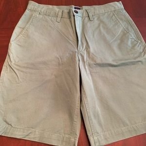 "NEW Gap men's flat front shorts 32"" 💚"